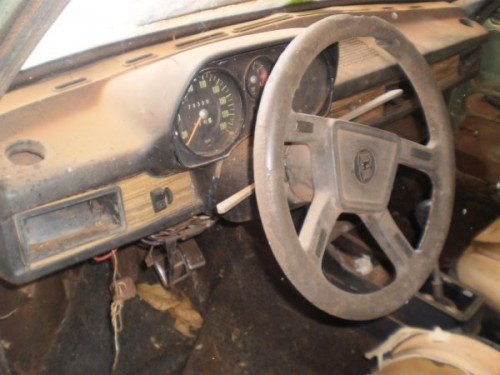 Passat TS 1978 abandonado