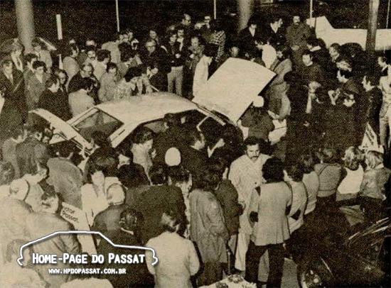 Cerca de 200 pessoas estiveram presentes na concessionária Wisintainer para conhecer o Passat. Foto: Jornal de Caxias