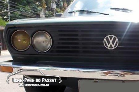 Alguns Passat TS tiveram o recorte do painel tampado por um serviço de funilaria. Não significa, de maneira alguma, que era assim de fábrica.