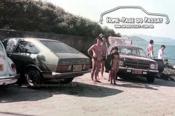 Passat TS Verde Musgo e Chevrolet Caravan